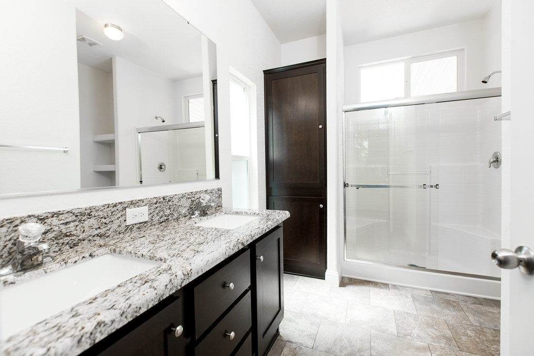 The GLE561A Master Bathroom. This Manufactured Mobile Home features 3 bedrooms and 2 baths.